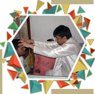 Param Pujya Arvindji Gurudev giving Diksha